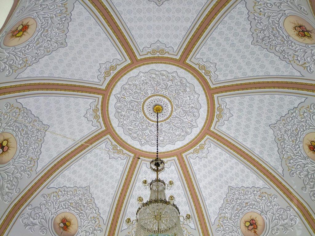 Türbeden tavan detayı. Pırlantadan Kubbeler #3 : Ertuğrul Tekke Camii - 35 1024x768 - Pırlantadan Kubbeler #3 : Ertuğrul Tekke Camii