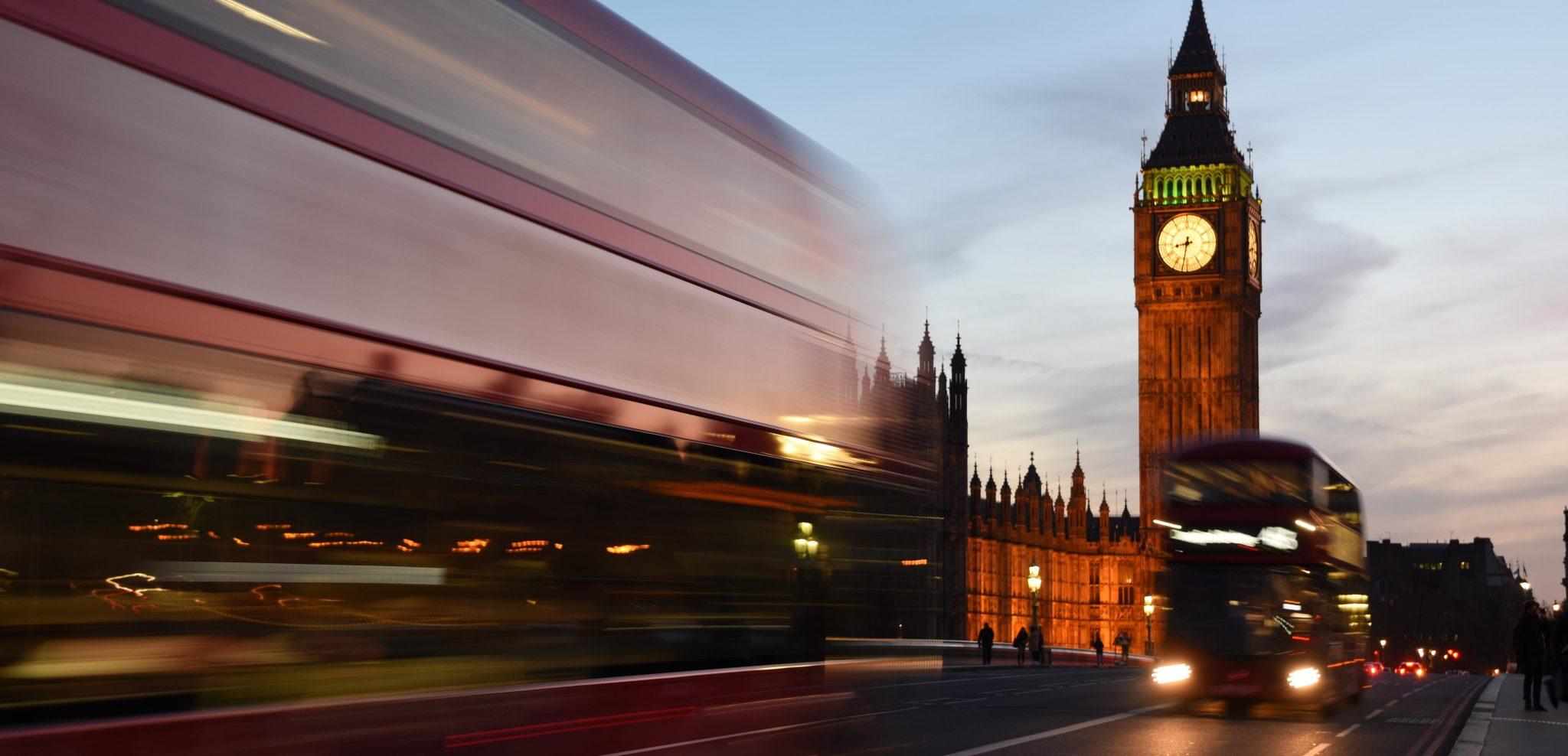 Bir Acayip Bilgiler #16: İngiltere'de trafik niçin soldan akar? - London2 - Bir Acayip Bilgiler #16: İngiltere'de trafik niçin soldan akar?