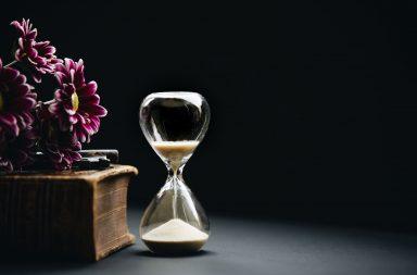 feride-ozge-yilmaz zaman İçinde kaybolan bizler - nathan dumlao 553945 unsplash 384x253 - Zaman İçinde Kaybolan Bizler